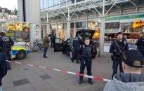 Vokietijos Heidelbergo mieste vyras automobiliu įlėkė į pėsčiuosius