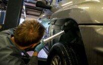 Statybininkams ir automobilių servisų darbuotojams ateis sunkesni laikai