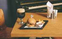 How about a fancy Le Burger for le lunch?