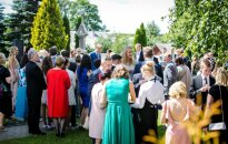 Kiek įdėti į vestuvių vokelį: po euro įvedimo sumos tapo nesuvokiamos