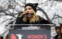 JAV radijo stotis nubaudė Madoną už pasisakymus apie D. Trumpą