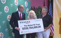 528 mln. dolerių loterijoje laimėję amerikiečiai išeina į pensiją