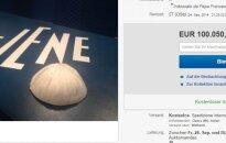 """Už popiežiaus kepuraitę """"eBay"""" pasiūlyta daugiau kaip 100 tūkst. eurų"""