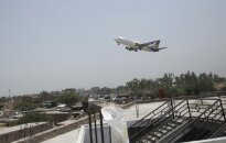 Pakistane pradingo lėktuvas su 40 keleivių