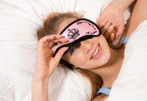 Grožio miegas: ką gali padaryti iš vakaro, kad ryte atsikeltum gražesnė