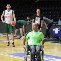 13-asis rinktinės žaidėjas E. Jankauskas: drebės ir kojos, ir rankos