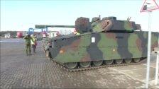 Тяжелая военная техника прибыла в Литву из Нидерландов