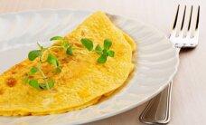 Burnoje tirpstantis biskvitinis omletas