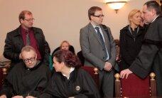 """""""Darbiečiai"""" jų bylą nagrinėjančią teisėją skundžia etikos komisijai"""