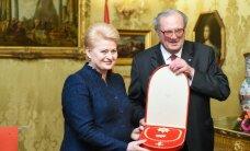 Prezidentė su Maltos ordino vadovu apsikeitė apdovanojimais
