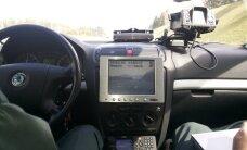 Virš 200 km greičiu lėkęs vairuotojas pasiteisino, kad tiesiog užsikalbėjo