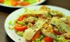 Pavyks visada: salotos su karšta vištiena