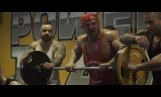 """Ironvyto vaizdo klipe """"Mūsų lyga - daug testosterono, geležies ir užpakaliukų"""