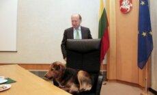 Andrius Kubilius ir žygeivių šuo