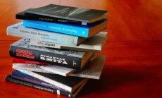 Dvyliktukas knygų
