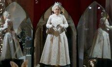 Lėlių parodoje Rusijoje eksponuojama ir karalienės Elizabeth lėlė