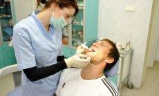 Odontologai, dantistai, dantys