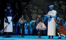 Scena iš operos Penki Merės stebuklai