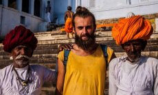 M. Juodelė Indijoje