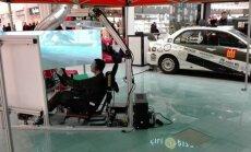 Kariai aiškinosi savo galimybes prie simuliatoriaus vairo