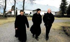 Davidson Coelho de Castro, Juan Carlos Escudero ir dr. Romualdas Zdanys