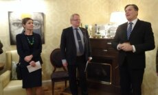 From left to right, the Polish Ministry of Foreign Affairs Security Policy Department Deputy Director Malgorzata Kazmierski, Swedish Defence Minister Peter Hultqvist and ambassador Eitvydas Bajarūnas