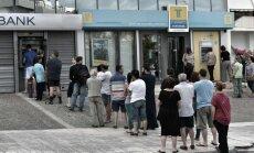 Eilės prie bankomatų Graikijoje