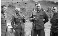 Josef Mengele kairėje