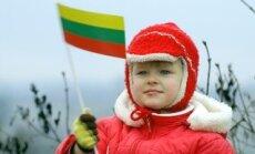Mergaitė su Lietuvos vėliava