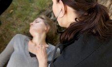 Kaip elgtis, jei šalia esantis žmogus praranda sąmonę