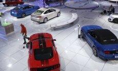 Ford stendas parodoje