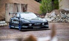 """Lietuviškų rankų darbo vaisius – lenktyninis automobilis """"Mazda RX-8"""""""