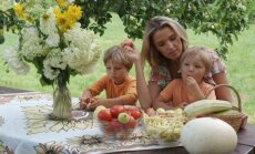 *Liepa Rimkevičienė su vaikais