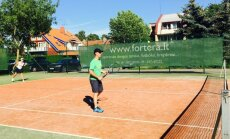 """Vasaros teniso turnyras su DELFI"""" Nidoje"""