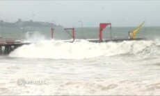 Milžiniškos bangos užtvindė Čilės uostamiestį