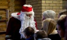 Globos namų auklėtiniai susitiko su Kalėdų seneliu