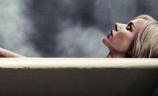 Kadras iš filmo Įkalinta, Naomi Watts