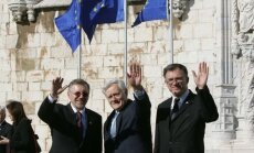 Lithuanian delegation after signing the Lisbon Treaty