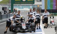 F-1 McLaren komanda Sepango trasoje Malaizijoje