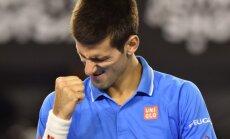 """Atkeršijo: N. Djokovičius palaužė S. Wawrinką ir žais """"Australian Open"""" finale"""