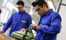 Refugees working in German company Siemens