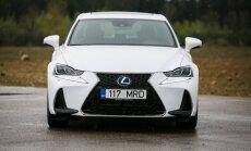 Modernizuotas Lexus IS 300h