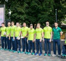 Lietuviškos sportinės aprangos tradicijas Rio tęs parolimpiečiai