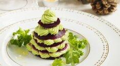 Tokio skonio niekur nerasite: 4 burnoje tirpstantys salotų receptai, kurie papuoš jūsų stalą