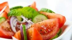 Štai kodėl negalima į salotas kartu dėti pomidorų ir agurkų!