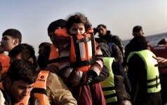 Graikijoje šiuo metu užstrigę daugiau nei 27 tūkst. pabėgėlių vaikų