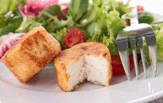Vištienos salotos su keptu sūriu