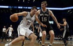 """""""Spurs"""" klubas netikėtai pralaimėjo Brukline NBA lygos rungtynes"""