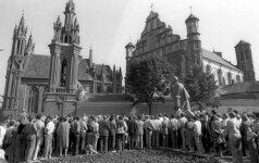 Rally next to Adam Mickiewicz monument in Vilnius in Aug 23, 1987