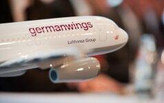 Vokietijos aviakompanijos atsisako dviejų žmonių lėktuvo pilotų kabinoje taisyklės